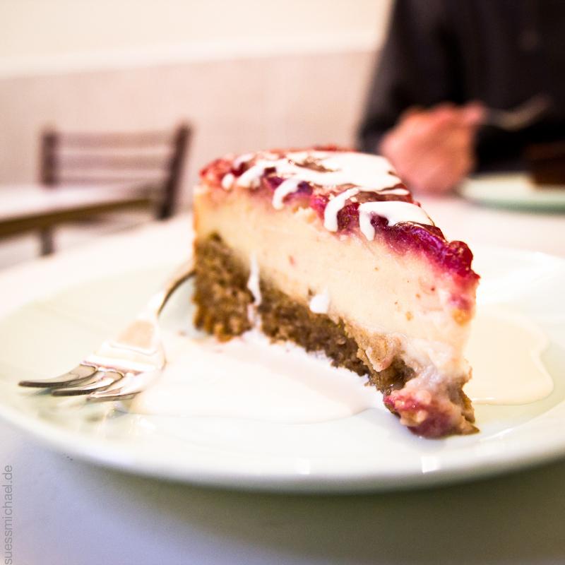 2011-12-17 London Berry-Lemon Cake at The Loving Hut