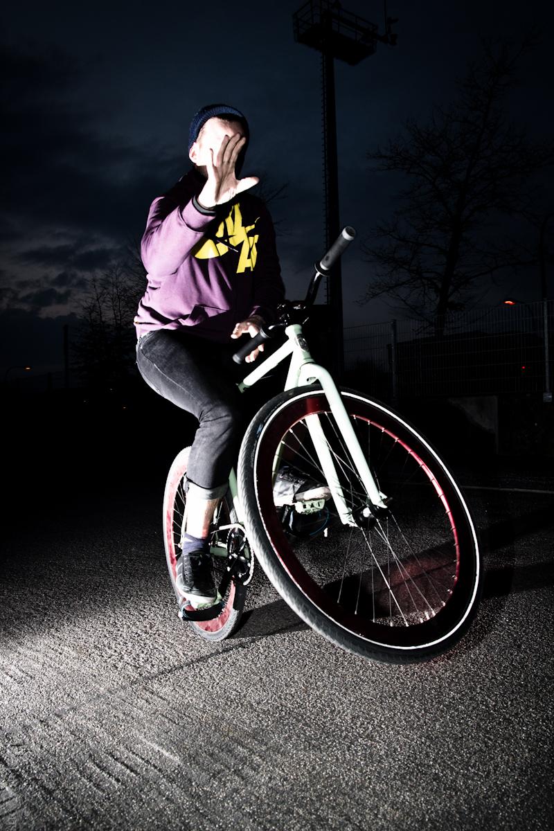 2012-03-18 Handlebar Spin ©