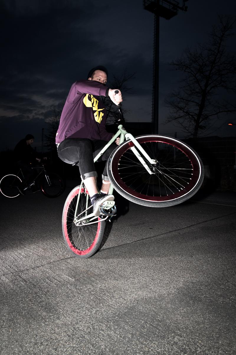 2012-03-18 Handlebar Spin & X-Up ©