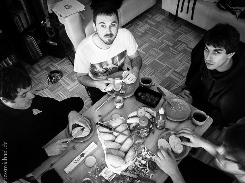 2015-05-23 Breakfast - Photo by Daniel Pylon